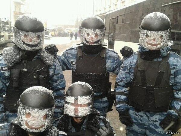 Беларуский ОМОН от улыбки станет мир светлей  омон, Беларусь