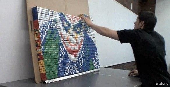 На тему кубиков рубика Американец Дэвид Альварез, проживающий в штате Вашингтон, решил воплотить образ кровного врага Бетмена - Джокера при помощи множества кубиков рубика.  кубик рубика, Интересное, искусство