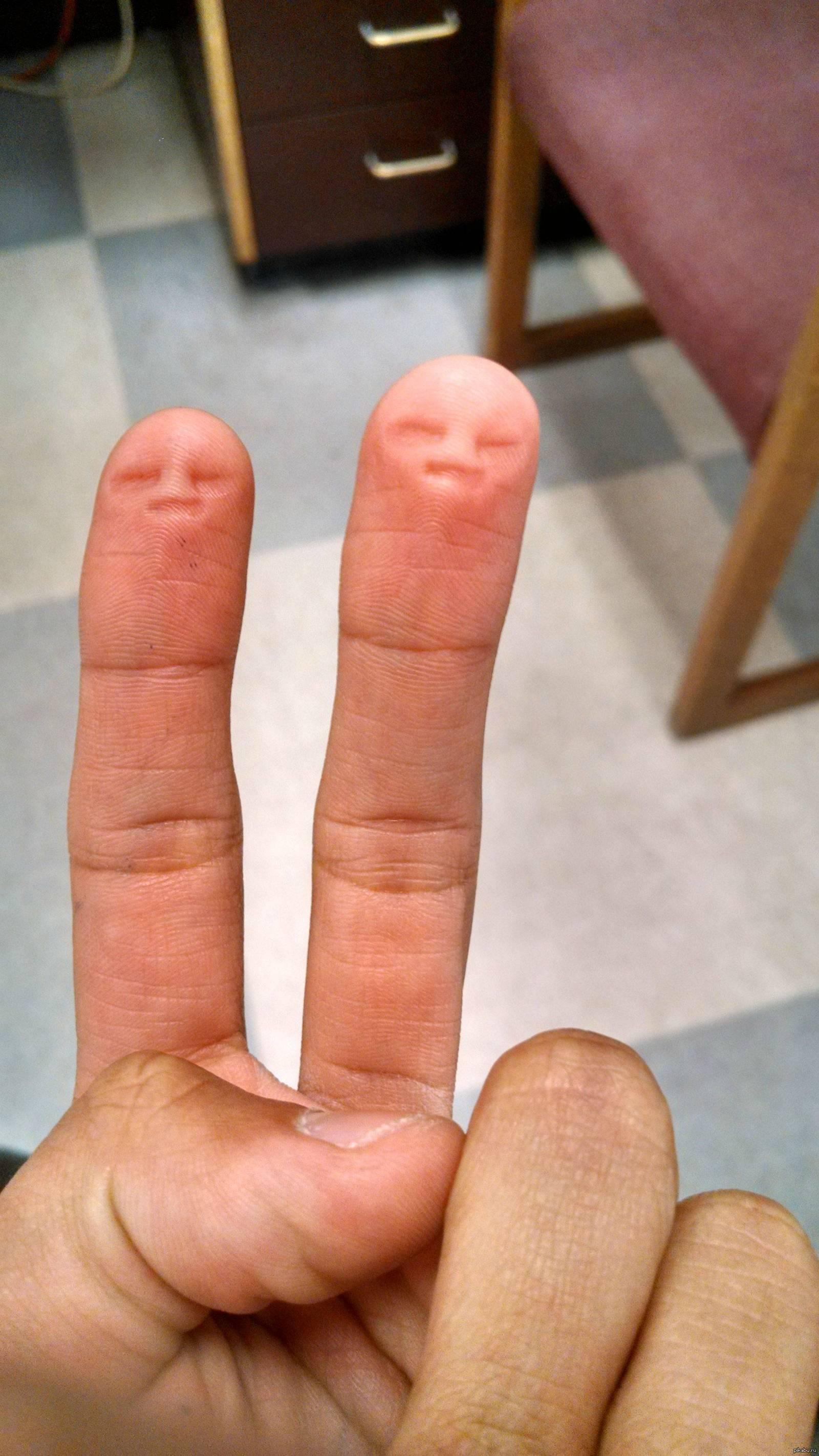 Фото два пальца 20 фотография