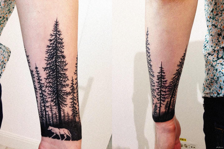 Тату с рисунком леса