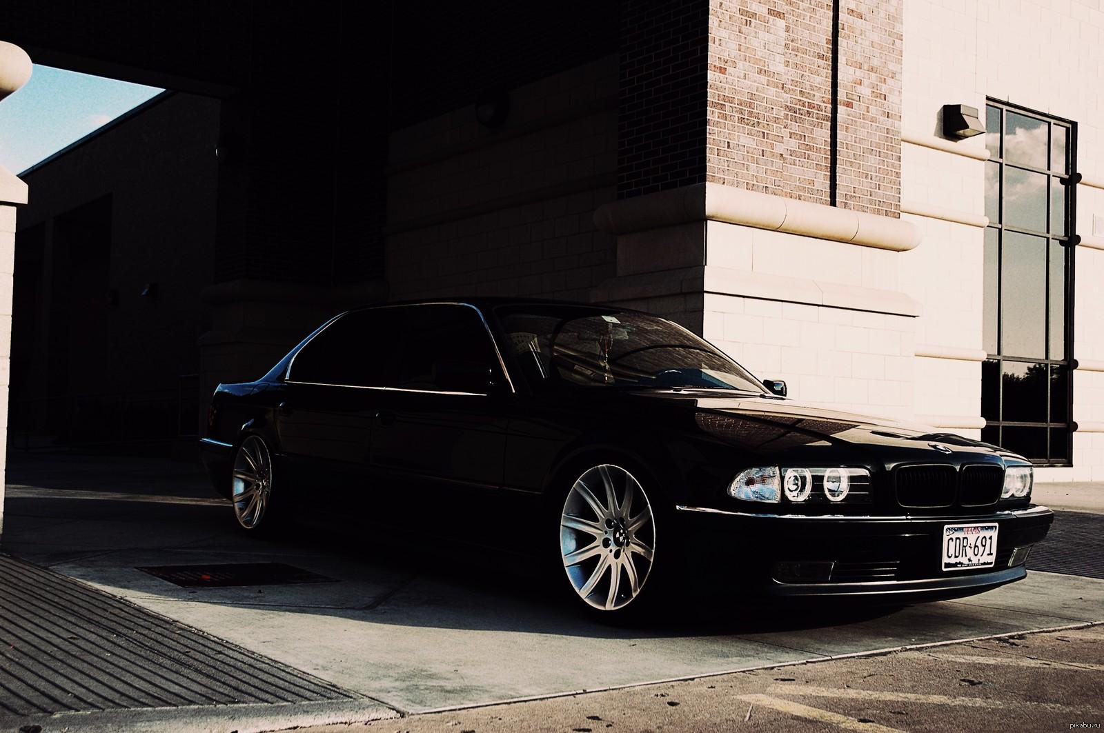 Обзор автомобиля BMW 7 в кузове Е38