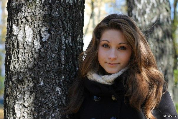 Девушка Поет Красиво